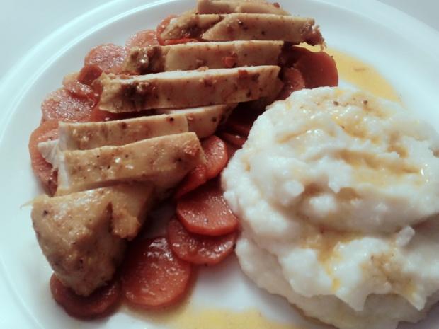 Marinované kuracie prsia, mrkva na mede a karfiolové pyré - recept