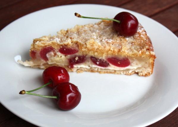 Sypaný čerešňovo tvarohový koláč - recept