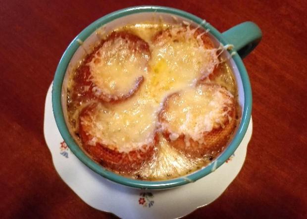Francúzska cibuľová polievka - recept