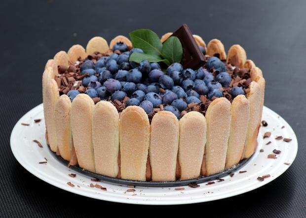 Čokoládová šarlota s čučoriedkami - recept