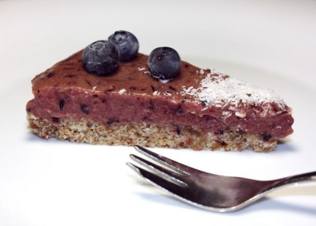 Čučoriedková torta bez múky, cukru a pečenia - recept