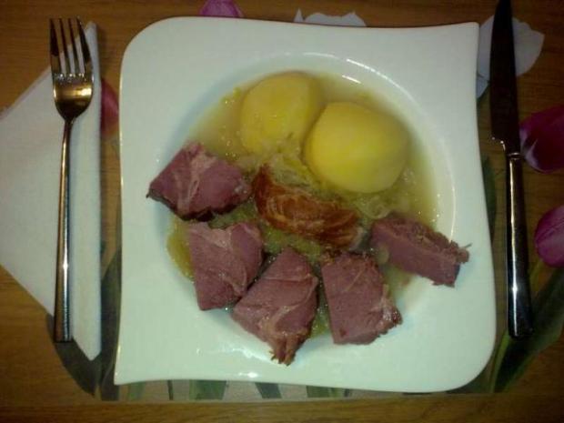 Kapusta s údeným a zemiakmi - recept
