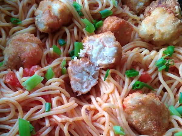 Rybacie guľky v paradajkovej omáčke so špagetami - recept