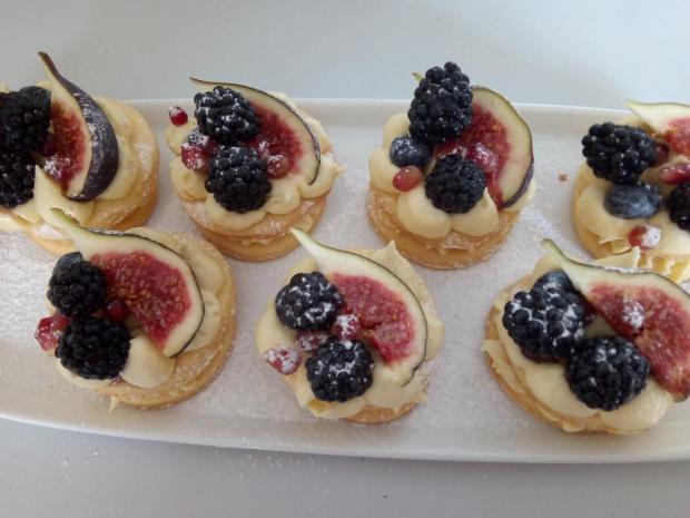 Linecké tortičky so žĺtkovým krémom a ovocím - recept