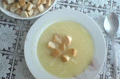 Karfiolová polievka s krutónmi. - recept