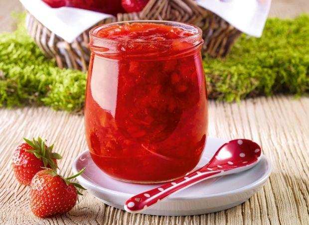 Jahodový topping z ružového vína - recept