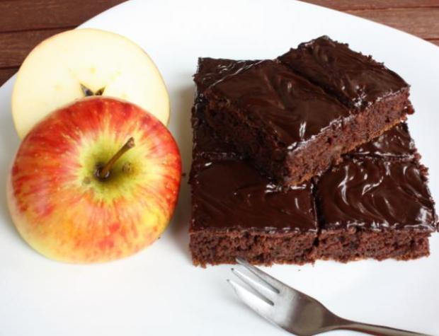 Jablkový  koláč s kakaom - recept
