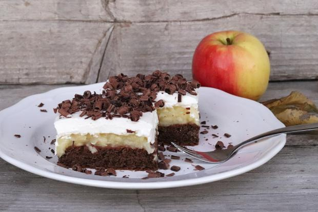 Fantastický jablkový koláč so smotanovou náplňou - recept