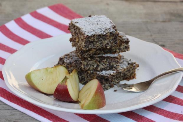 Jablkovo makový koláč bez múky - recept