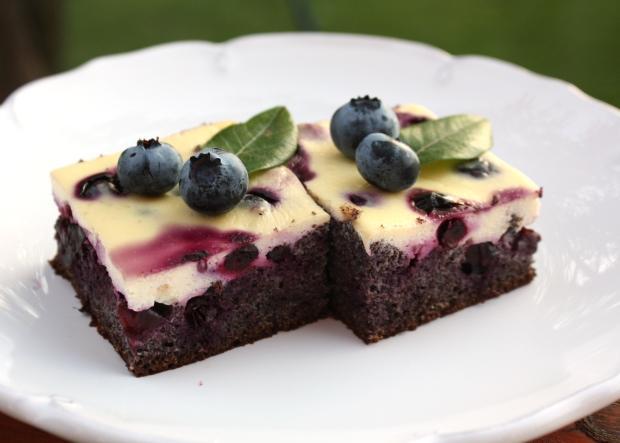 Makový koláč s čučoriedkami, recept s fotopostupom