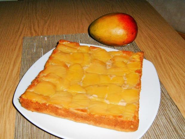 Obrátený mangový koláč - recept