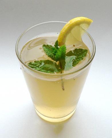 Mätovo-citrónový sirup - recept