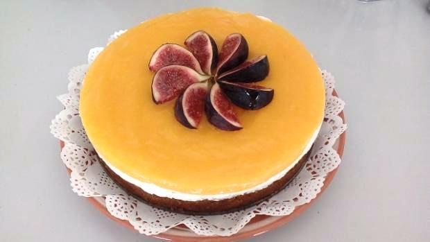 Mrkvová torta s tvarohom a mangovým pyré - recept