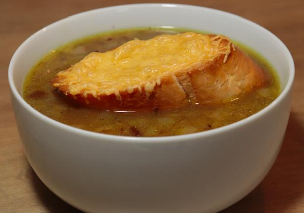 Francúzska cibuľová polievka (videorecept). - recept