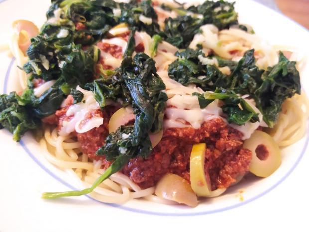 Špagety s hovädzím mäsom a špenátom - recept