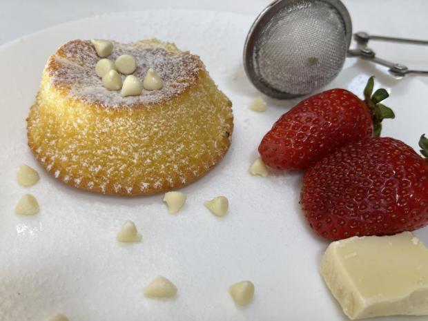 Lávový koláč s bielou čokoládou - recept