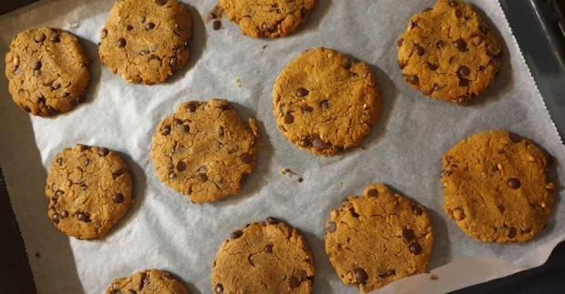 Sušienky s cícerom, arašidovým maslom a čokoládou - recept