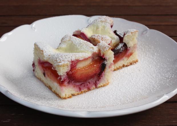 Výsledok vyhľadávania obrázkov pre dopyt Tvarohovo - slivkový koláč