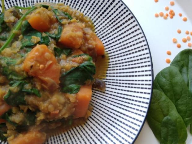 Červená šošovica so špenátom a sladkým zemiakom - recept