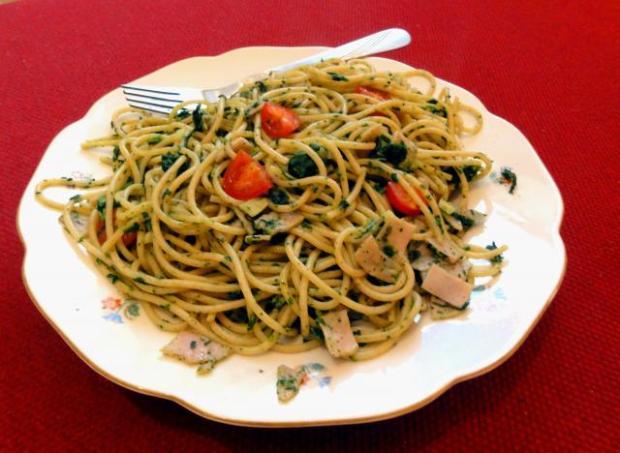 Špagety s arašidovou omáčkou - recept