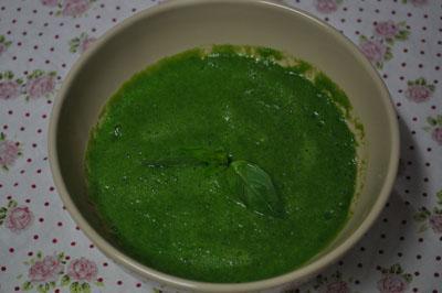 Raw špenátová krémová polievka - recept
