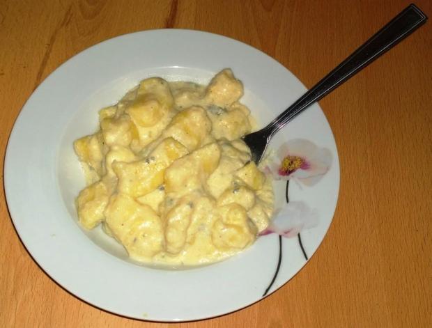 Gnocchi so syrovou omáčkou...a škoricovo cukrové gnocchi. - recept