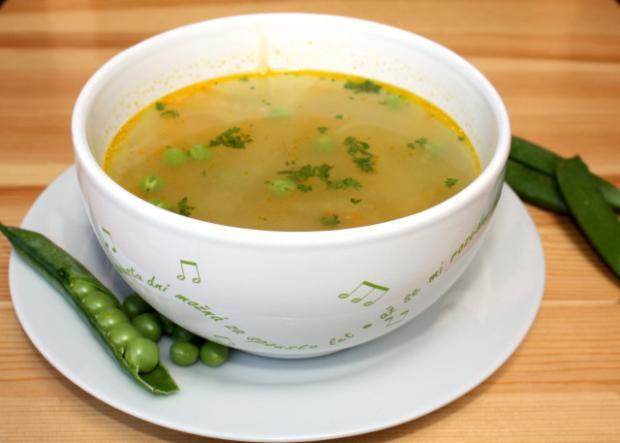 Rýchla zeleninová polievka s hráškom
